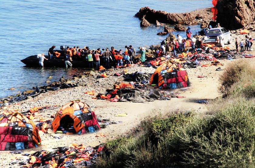 Το συγκινητικό μήνυμα ενός 16χρονου στις ακτές της Μυτιλήνης (Pics)