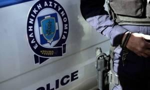 Αιτωλικό: Έμπορος ναρκωτικών έκρυβε κιλά ηρωίνης έξω από το σπίτι του (vid)