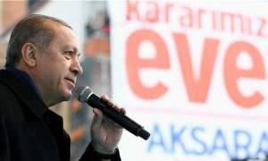 Δημοψήφισμα Τουρκία: Κορυφώνεται η ένταση -  Δημοσκοπικό θρίλερ λίγο πριν το άνοιγμα της κάλπης
