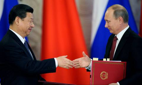 Σε ανοιχτή γραμμή επικοινωνίας Ρωσία και Κίνα υπό το φόβο πολέμου των ΗΠΑ με τη Βόρεια Κορέα