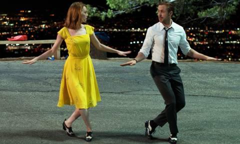 Η τεχνολογία «ξέφυγε»: Mάθετε όποιον χορό θέλετε με αυτές τις ρομποτικές κάλτσες (Vid)