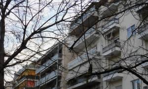 Καλαμαριά: 18χρονη έπεσε από το μπαλκόνι του σπιτιού της