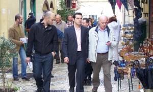 Γιούχαραν τον Τσίπρα στην Κέρκυρα: «Να πάτε πάλι στο 3%» (vid)