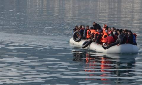 Στο Αργοστόλι το σκάφος με τους 48 πρόσφυγες