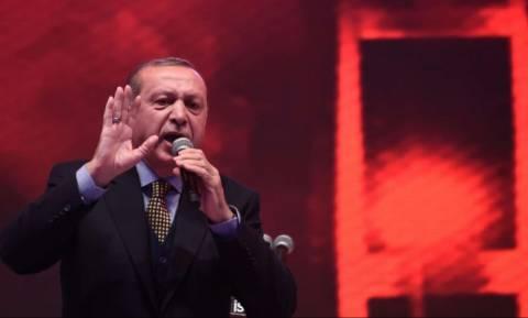 Δημοψήφισμα Τουρκία - Ερντογάν: «Ψηφίστε Ναι για να δώσουμε μάθημα στη Δύση»