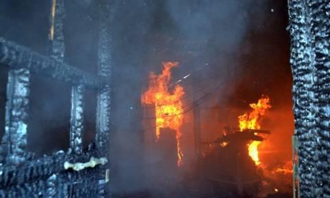 Τραγωδία στο Μοσχάτο: Μία νεκρή και δύο τραυματίες από πυρκαγιά σε διαμέρισμα
