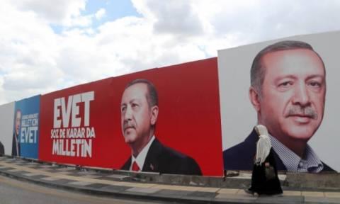 Δημοψήφισμα Τουρκία Live: Διχασμένος ο τουρκικός λαός – Θα γίνει «σουλτάνος» ο Ερντογάν;