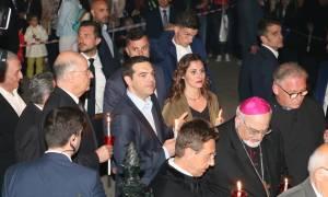 Πάσχα 2017: Το φιλί του Τσίπρα στην Μπέτυ το βράδυ της Ανάστασης (vid+pics)