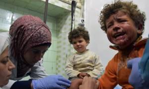 Εκατόμβη αμάχων στη Συρία: Σοκάρουν οι εικόνες των νεκρών παιδιών (videos+pics)