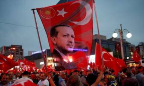 Ερντογάν: Όλοι πρέπει να σεβαστούν τη σημαντικότερη στιγμή στην ιστορία της Τουρκίας (video)