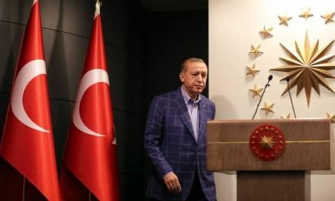 Δημοψήφισμα και για τη θανατική ποινή σχεδιάζει τώρα ο Ερντογάν (video)