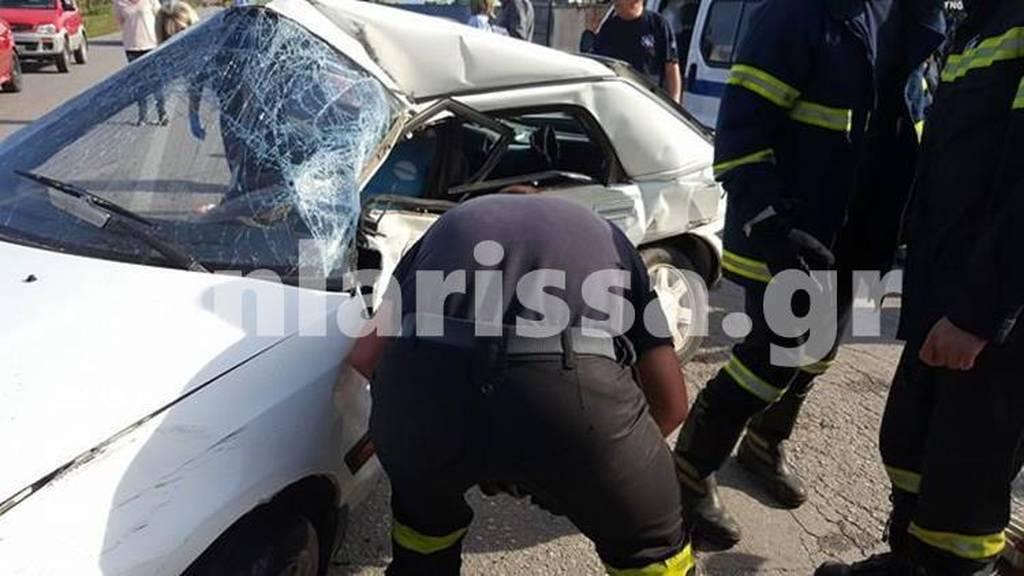 Φρικτό θανατηφόρο τροχαίο στη Λάρισα (pics)