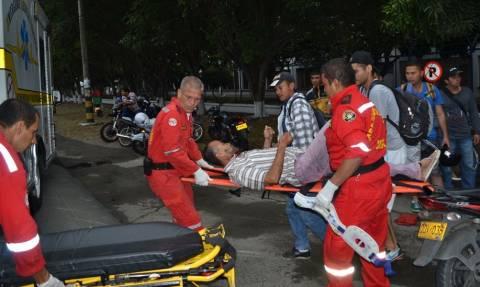 Σκηνές-σοκ στην Κολομβία: Έριξαν χειροβομβίδα μέσα σε μπαρ – Τουλάχιστον 36 τραυματίες