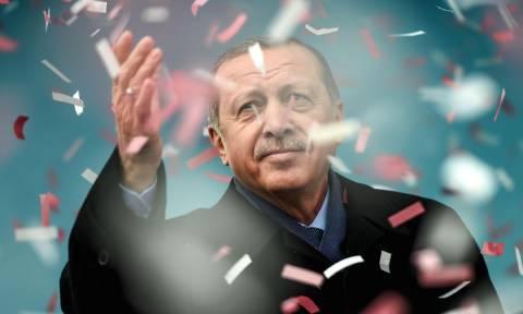 Δημοψήφισμα Τουρκία: Και τώρα τι; Οι πέντε πιθανές επιπτώσεις του εκλογικού αποτελέσματος