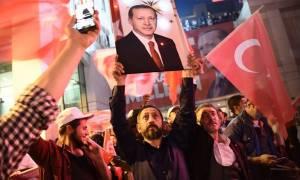 Δημοψήφισμα Τουρκία: Σκληρή απάντηση Άγκυρας στις διεθνείς επικρίσεις για το αποτέλεσμα