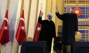 Δημοψήφισμα Τουρκία: Ο Ερντογάν απαξιώνει ΕΕ και ΟΑΣΕ - Στους δρόμους οι υποστηρικτές του «Όχι»