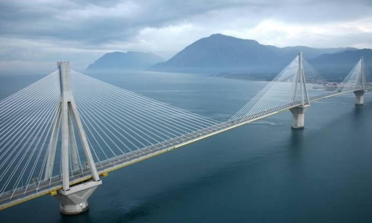 Απίστευτο: «Πάγωσαν» με αυτό που είδαν οδηγοί στη Γέφυρα Ρίου – Αντιρρίου