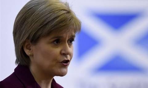 Πρόωρες εκλογές Βρετανία: Οργή στη Σκωτία για την απόφαση της Τερέζα Μέι