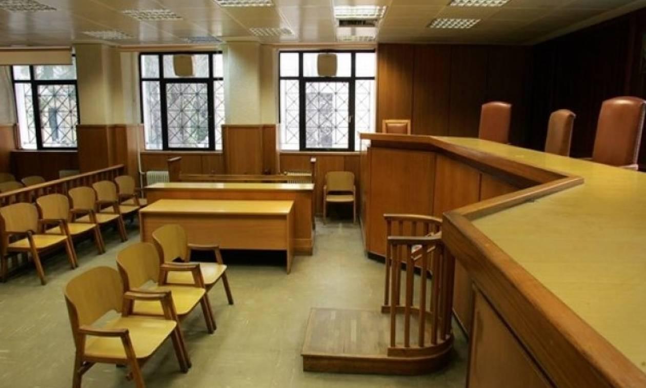 Θεσσαλονίκη: Σε δίκη παραπέμπονται δύο αστυνομικοί με την κατηγορία της πλαστογραφίας