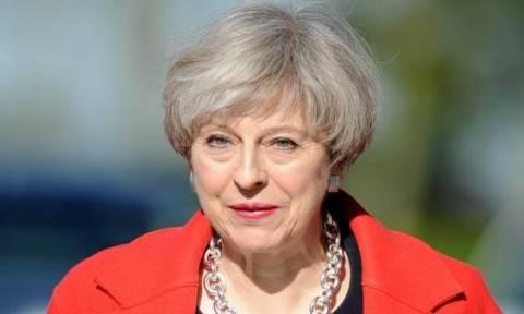Βρετανία: Σε... εκδρομή πήρε την απόφαση για τις εκλογές η Μέι - Ποια η επόμενη μέρα