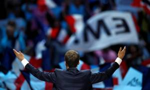 Προεδρικές εκλογές Γαλλία: «Καλπάζει» o Μελανσόν - Πτώση για Μακρόν και Λεπέν