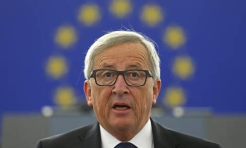 Γιουνκέρ: Αναβάλλονται οι διαπραγματεύσεις για το Brexit