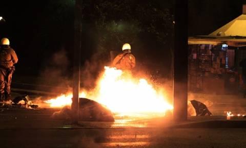 Πεδίο μάχης και πάλι το Πολυτεχνείο: Επίθεση με μολότοφ σε διμοιρία των ΜΑΤ