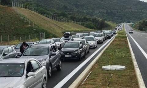 Φιάσκο στους αυτοκινητοδρόμους: «Μονταζιέρα» ΝΔ - ΠΑΣΟΚ καταγγέλλει το υπουργείο Υποδομών