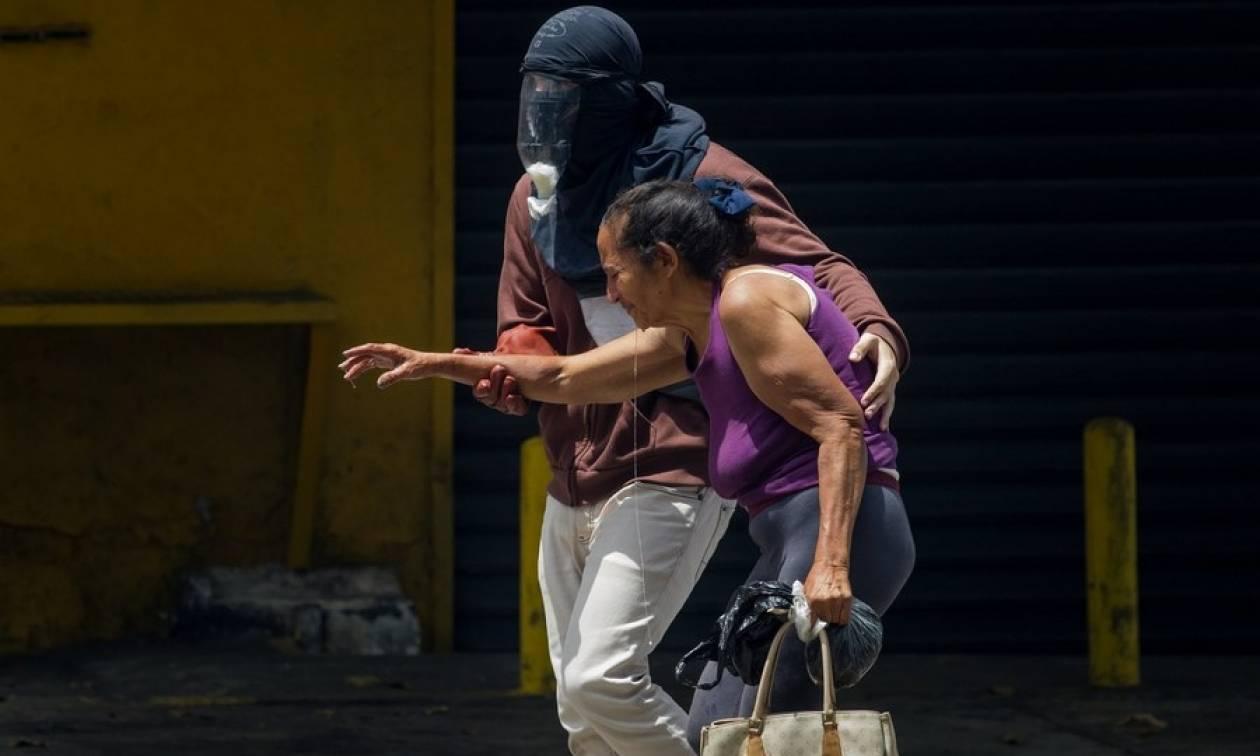 Χάος στη Βενεζουέλα: Τρεις διαδηλωτές νεκροί στον απόηχο της «μητέρας όλων των διαδηλώσεων» (Pics)