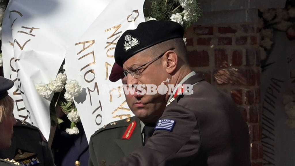 Πτώση ελικοπτέρου: Το τελευταίο αντίο στον συγκυβερνήτη Κώστα Χατζή
