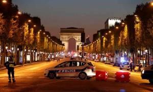Νέα επίθεση τζιχαντιστών στο Παρίσι: Ένας αστυνομικός νεκρός και δύο τραυματίες (pics+vids)