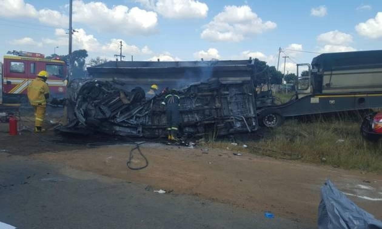 Τραγωδία: Νεκροί 20 μαθητές σε τροχαίο δυστύχημα (pic)