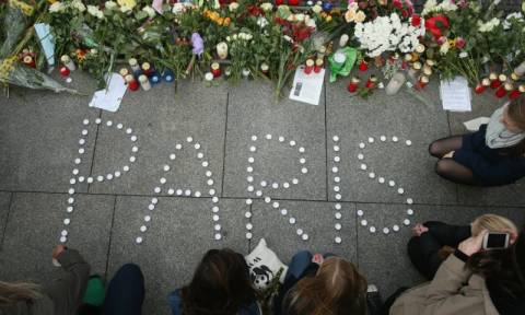 Όταν η Γαλλία «πνίγηκε» στο αίμα - Οι επιθέσεις που συγκλόνισαν τον πλανήτη (pics+vids)