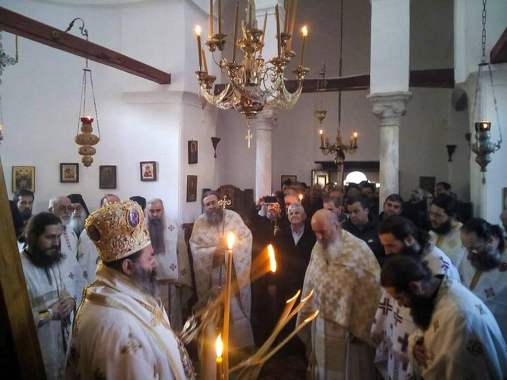 Λιτάνευση της εικόνας της Παναγίας της Πορταϊτίσσης (pics)