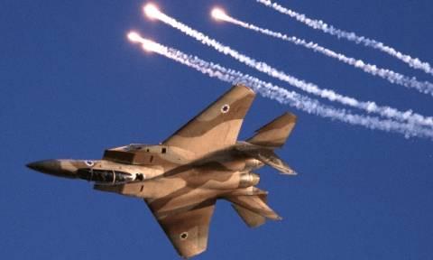 Συρία: Ισραηλινά μαχητικά βομβάρδισαν το στρατό του Άσαντ