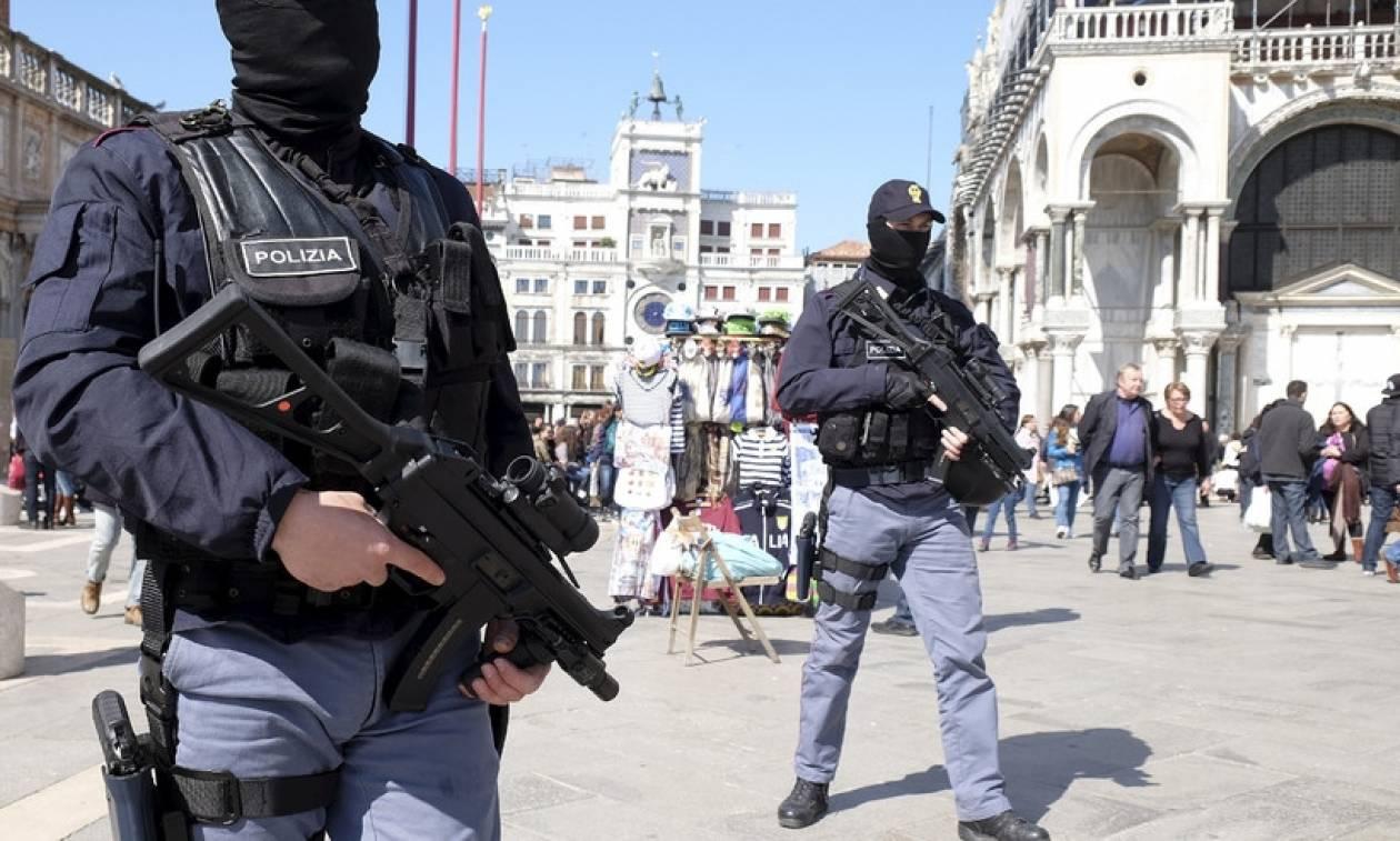 Αντιτρομοκρατικός συναγερμός στο Παρίσι: Τέσσερις συλλήψεις και ανακρίσεις δέκα υπόπτων