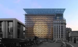 Κομισιόν: Πολιτική συμφωνία τον Μάιο και εκταμίευση της νέας δόσης τον Ιούνιο