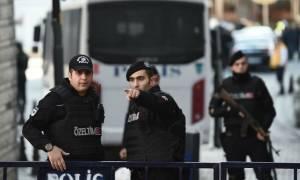 «Ολόκληρη η Τουρκία υπό σύλληψη»: Ο Ερντογάν βγάζει σε διαθεσιμότητα άλλους 9.103 αστυνομικούς
