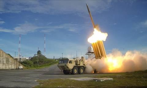 Επί ποδός πολέμου ΗΠΑ και Νότια Κορέα: Σε λειτουργία η αντιπυραυλική ασπίδα THAAD (Vid)