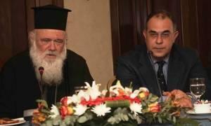 Σκληρή απάντηση του εκπροσώπου του Αρχιεπισκόπου στις κατηγορίες Σκουρλέτη