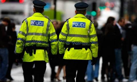 Πανικός στη Σκωτία από ύποπτα δέματα που στάλθηκαν σε βουλευτές