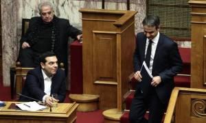 Άγριος καβγάς Μητσοτάκη - Τσίπρα στη Βουλή για την τροπολογία με τα πρόστιμα (vid)