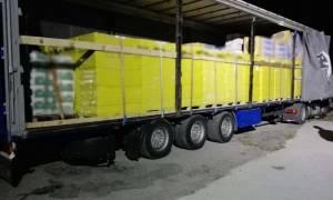 Θεσσαλονίκη: Έκρυβαν μέσα σε τούβλα 100.000 λαθραία πακέτα τσιγάρα