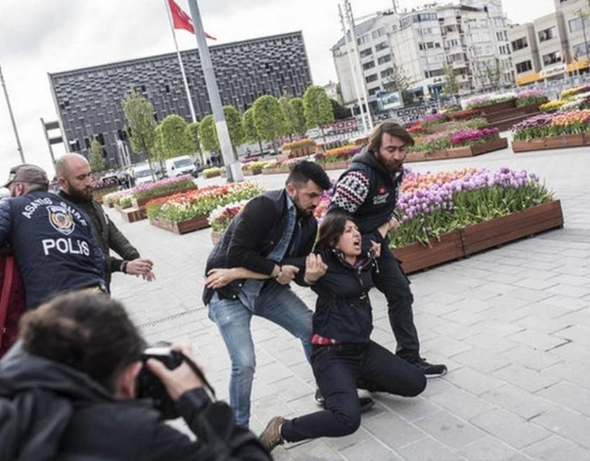 Πρωτομαγιά 2017 - Κωνσταντινούπολη: «Ζήτω η Πρωτομαγιά, όχι στον δικτάτορα Ερντογάν» (Pics)