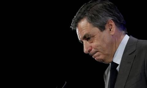 Γαλλία: Ο Φιγιόν μήνυσε την εφημερίδα που έφερε στο φως το σκάνδαλο της συζύγου του