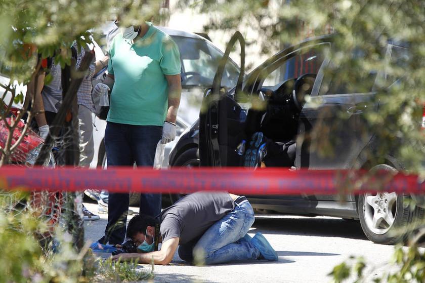 «Δάσκαλε βοήθα με σκοτώνουν τον πατέρα μου» - Μπροστά στη δολοφονία του Βασίλη Γρίβα ο γιος του