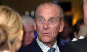 Πρίγκηπας Φίλιππος: Αυτές είναι οι πιο ξεκαρδιστικές γκάφες του σύζυγου της βασίλισσας Ελισάβετ
