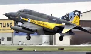 Συγκίνηση και περηφάνια: Τελευταία πτήση για τα F4 Phantom (vid)