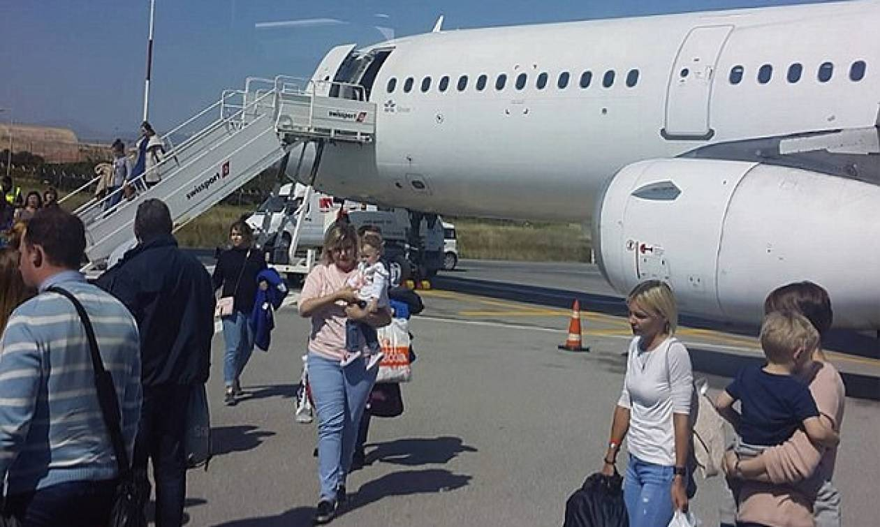 Τρόμος πάνω από την Κρήτη:  Αεροσκάφος «βούτηξε» 18.000 πόδια (Pics)