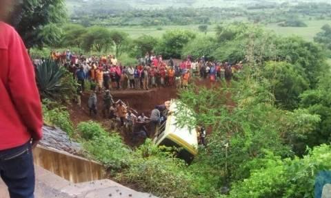 Τραγωδία: Πολύνεκρο τροχαίο με δεκάδες μαθητές